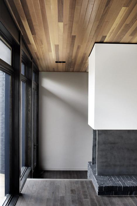 Lecran_House_by_Alain_Carle_Architecte_dezeen_468_12