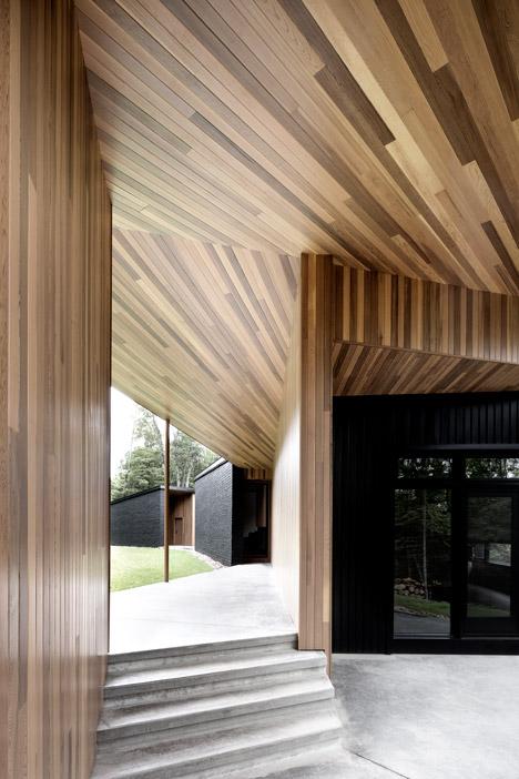 Lecran_House_by_Alain_Carle_Architecte_dezeen_468_3a