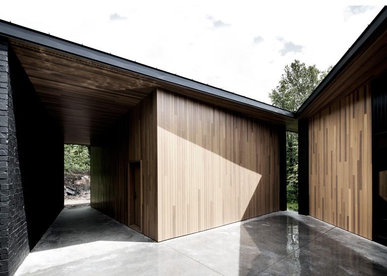 Lecran_House_by_Alain_Carle_Architecte_dezeen_784_1a
