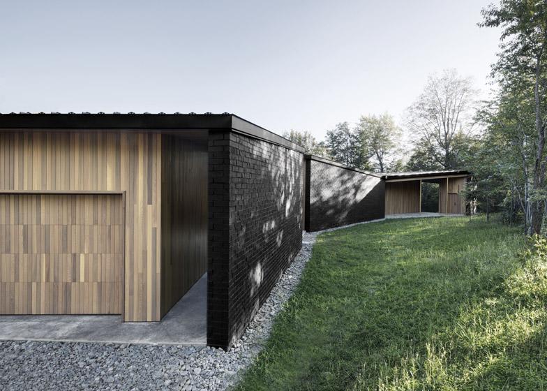 Lecran_House_by_Alain_Carle_Architecte_dezeen_784_7