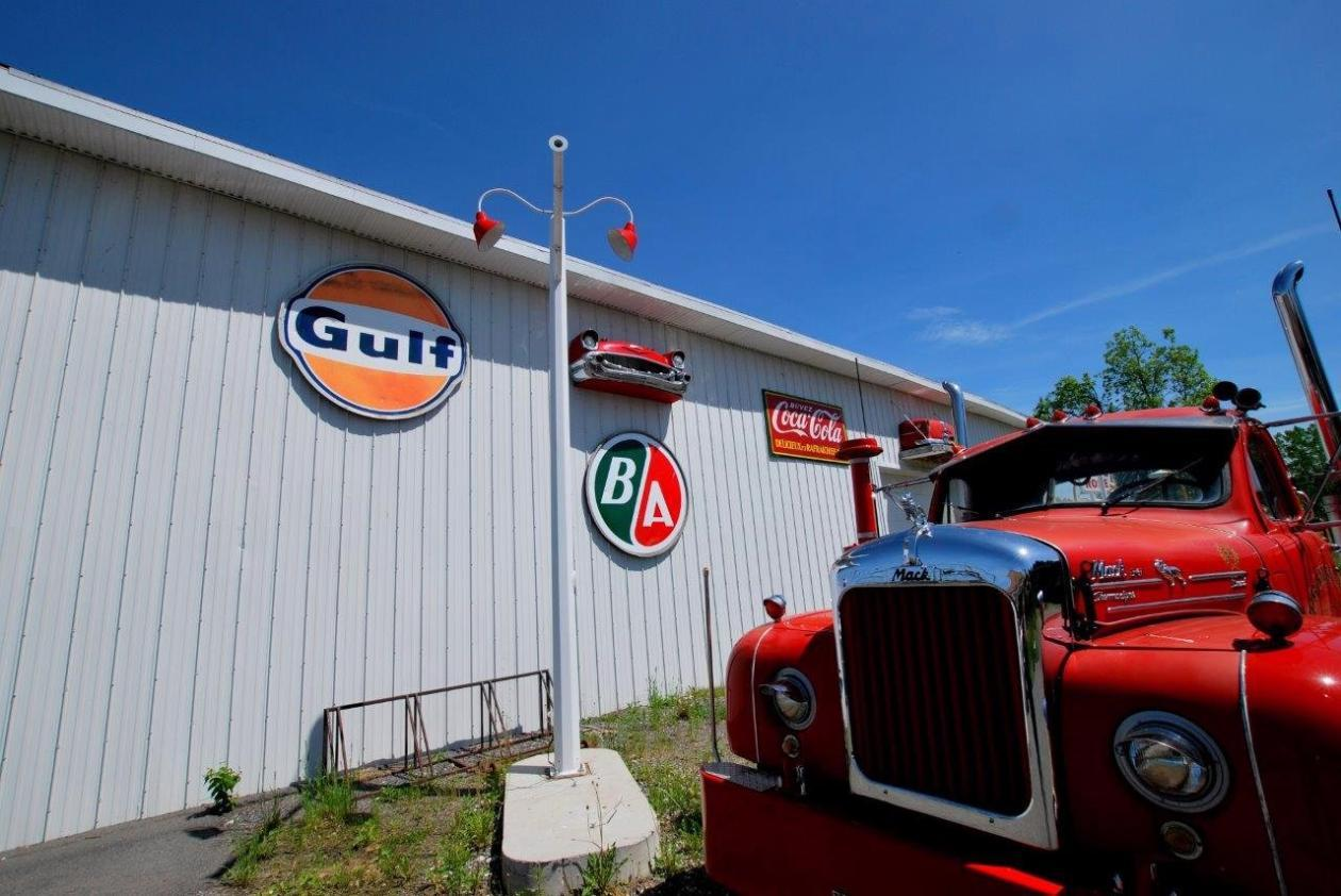 garage-retro-a-vendre-camion-13-1
