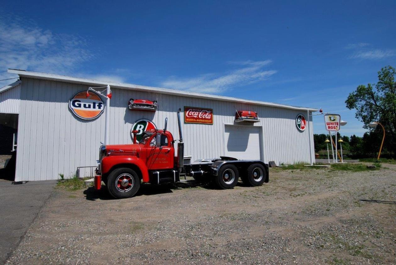 garage-retro-a-vendre-camion-14-1