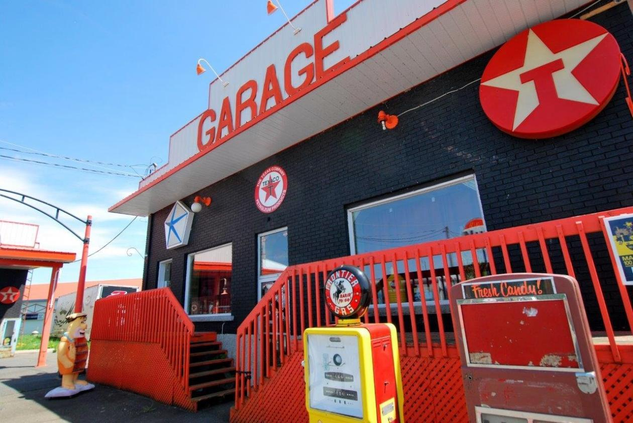 garage-retro-a-vendre-camion-2-1