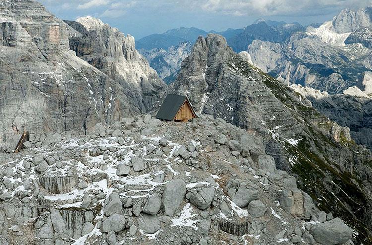 Mountain-Hut-Giovanni-Pesamosca-04