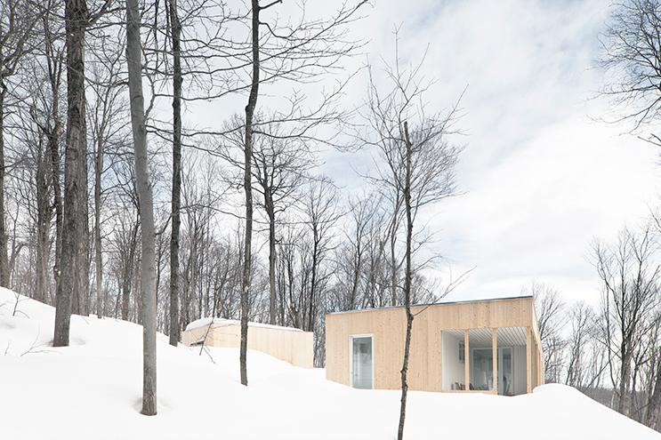 Blue-Hills-Quebec-Architecture-02