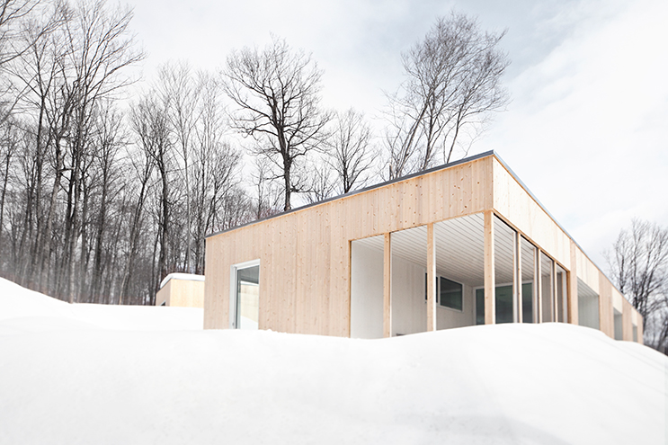 Blue-Hills-Quebec-Architecture-03