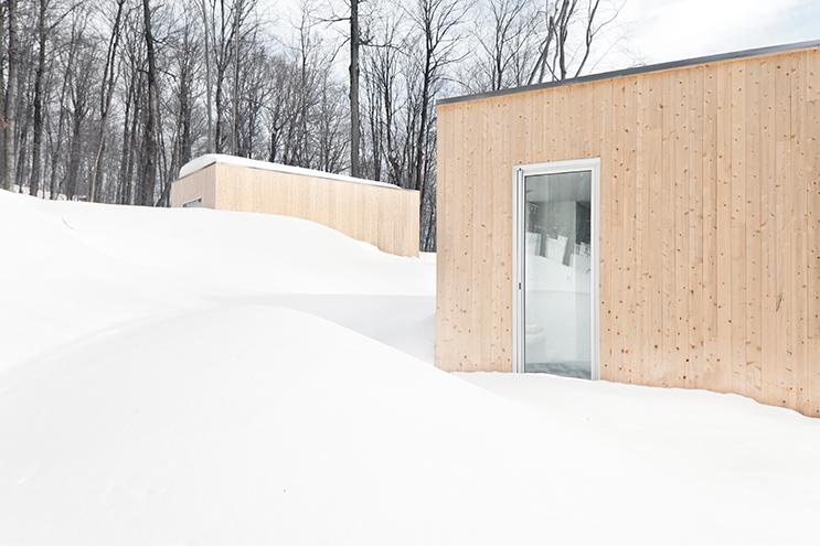 Blue-Hills-Quebec-Architecture-04