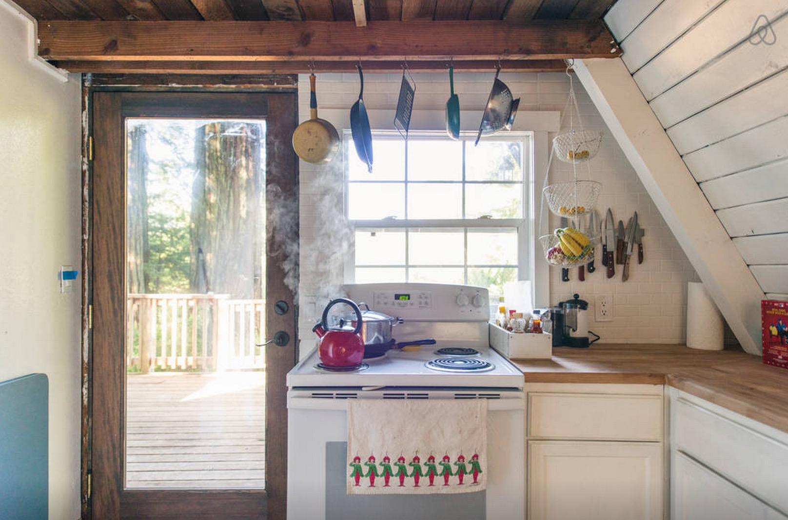 Cabin-Redwoods-Joli-Joli-Design-Cabine-12