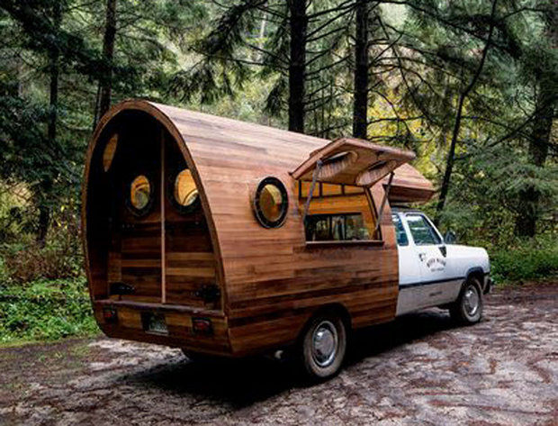 04-Patagonia-worn-wear-truck-jay-nelson-design