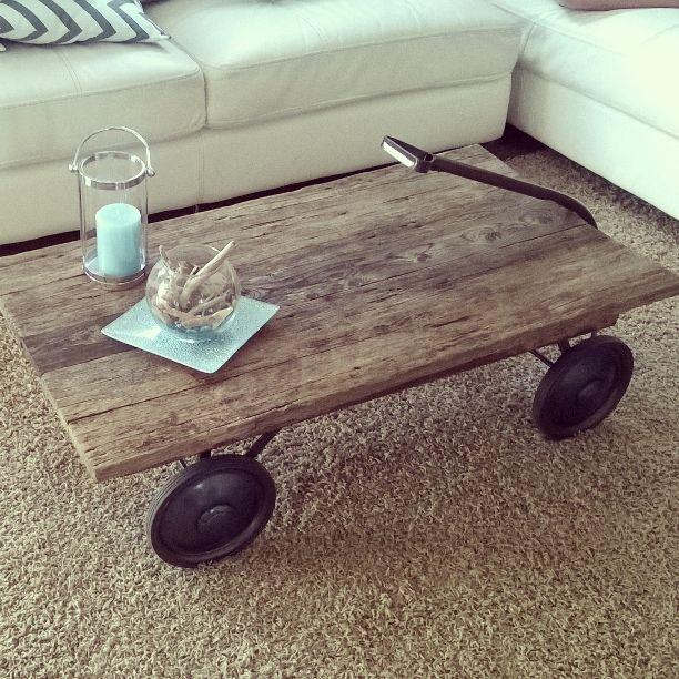 des cr ations o le bois de grange est mis en valeur joli joli design. Black Bedroom Furniture Sets. Home Design Ideas