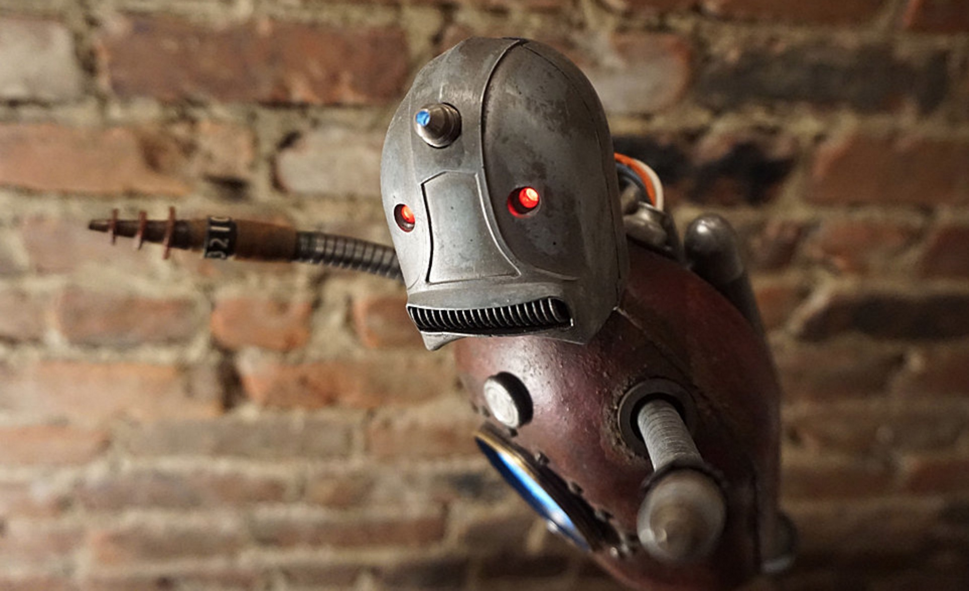 Robot-Quebec-Design-Joli-11