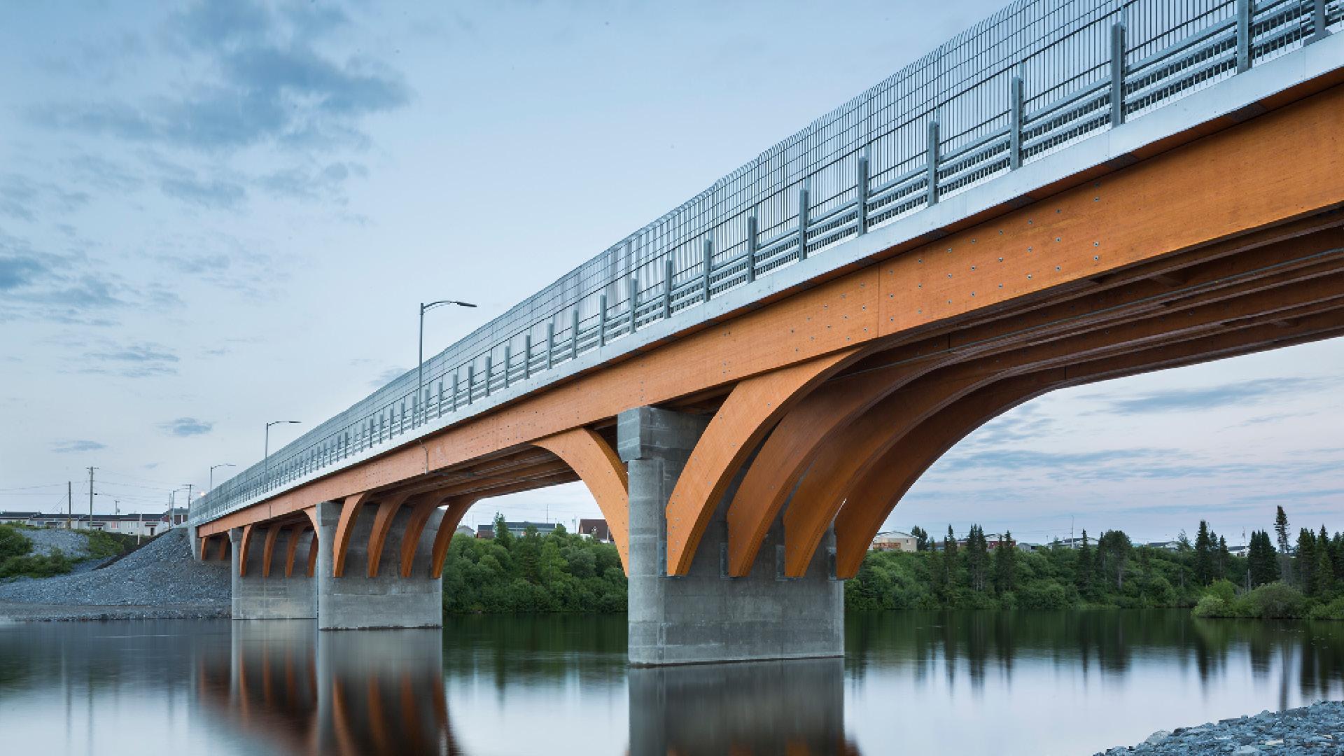 Un Pont De Bois De 160 M 224 Mistissini Joli Joli Design
