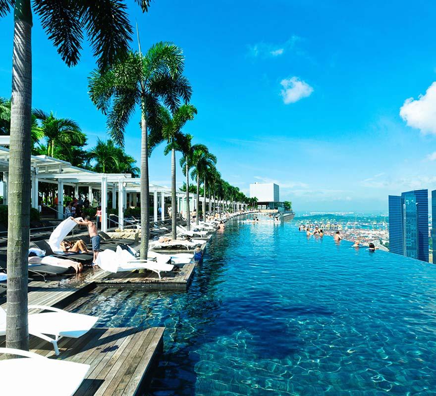 Les plus belles piscines infinies du monde joli joli design for Singapour hotel piscine sur le toit