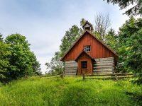 Au lieu d'acheter une seule maison ancestrale, achetez ce village tout entier à Rawdon!