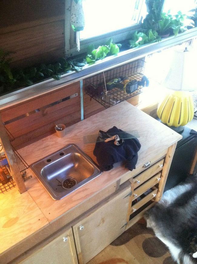 Ophelia-Bus-DIY-Home-06