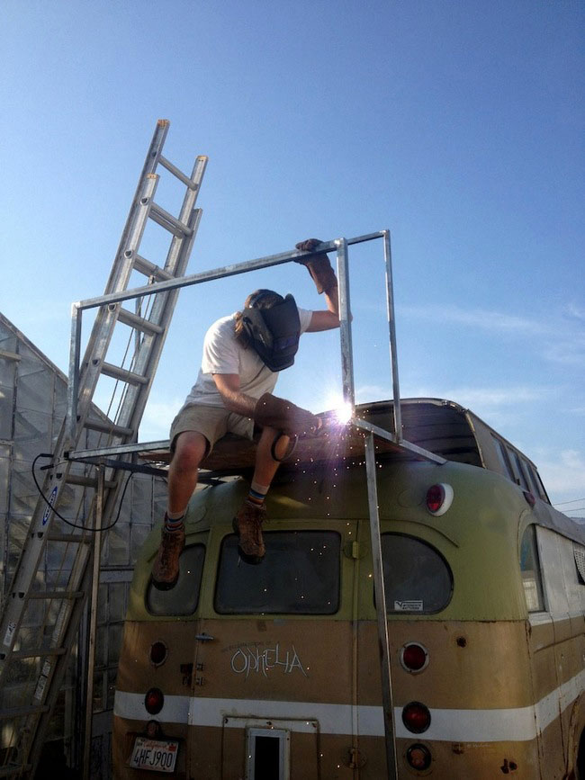 Ophelia-Bus-DIY-Home-10
