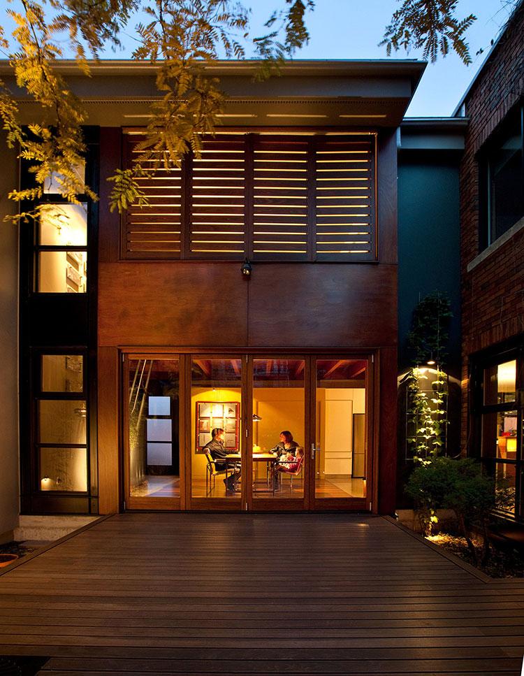 La maison en u situ e montr al est tout simplement for Cours design interieur montreal
