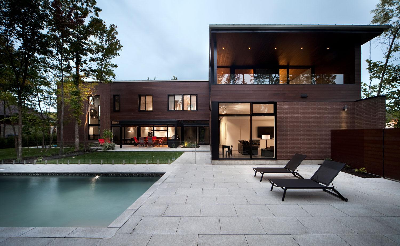 La maison v randa boucherville une maison qui s 39 ouvre for Devanture maison design