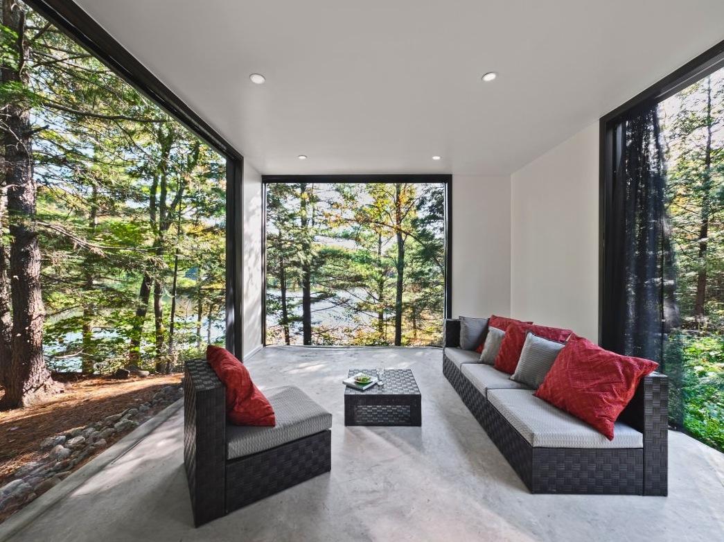 Hill-Maheux-Cottage-Kariouk-Design-Quebec-06