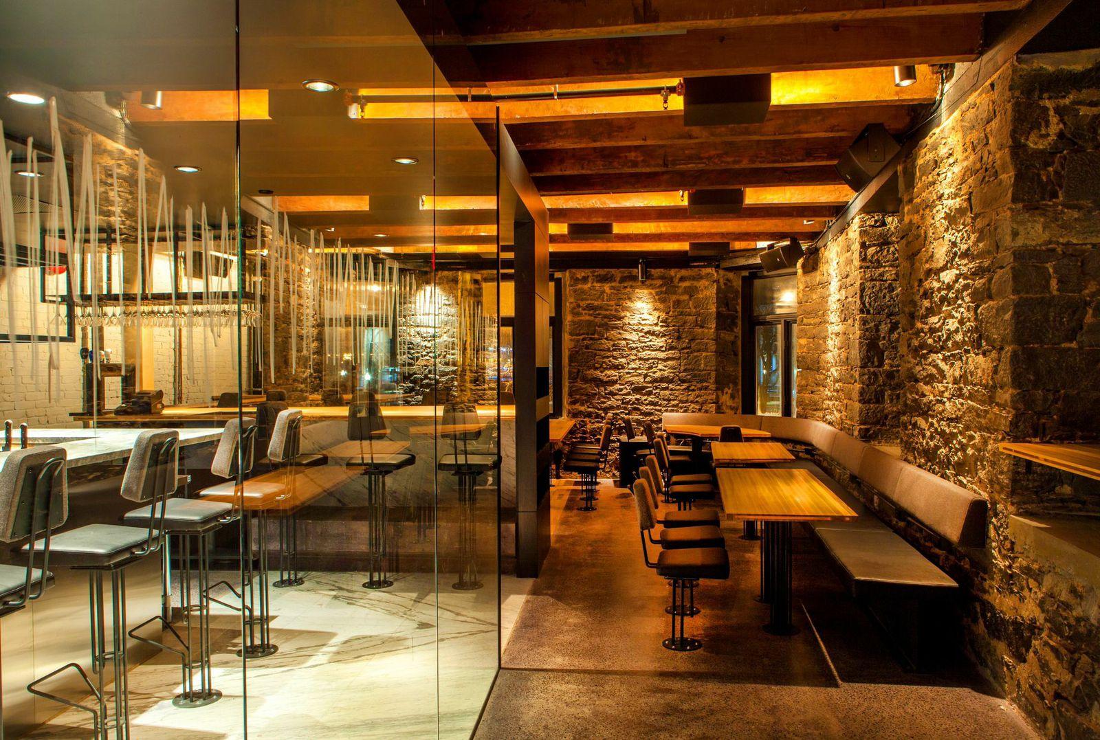 Le restaurant mimi la nuit dans le vieux montr al est for Articles cuisine montreal