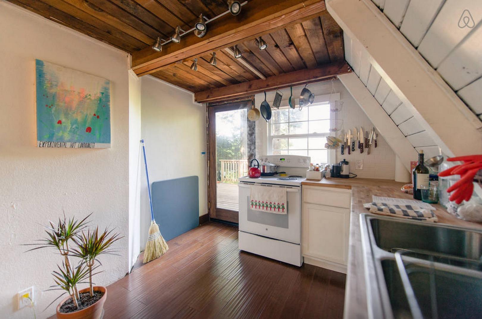Cabin-Redwoods-Joli-Joli-Design-Cabine-11