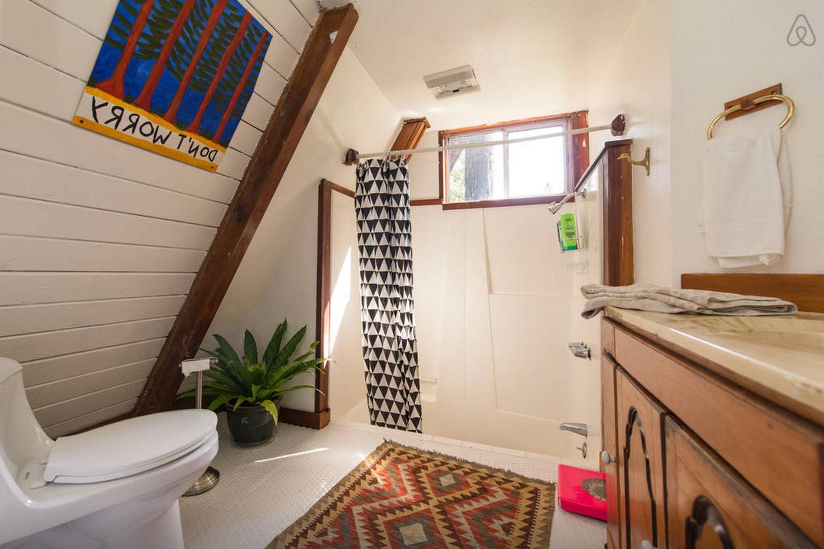 Cabin-Redwoods-Joli-Joli-Design-Cabine-13