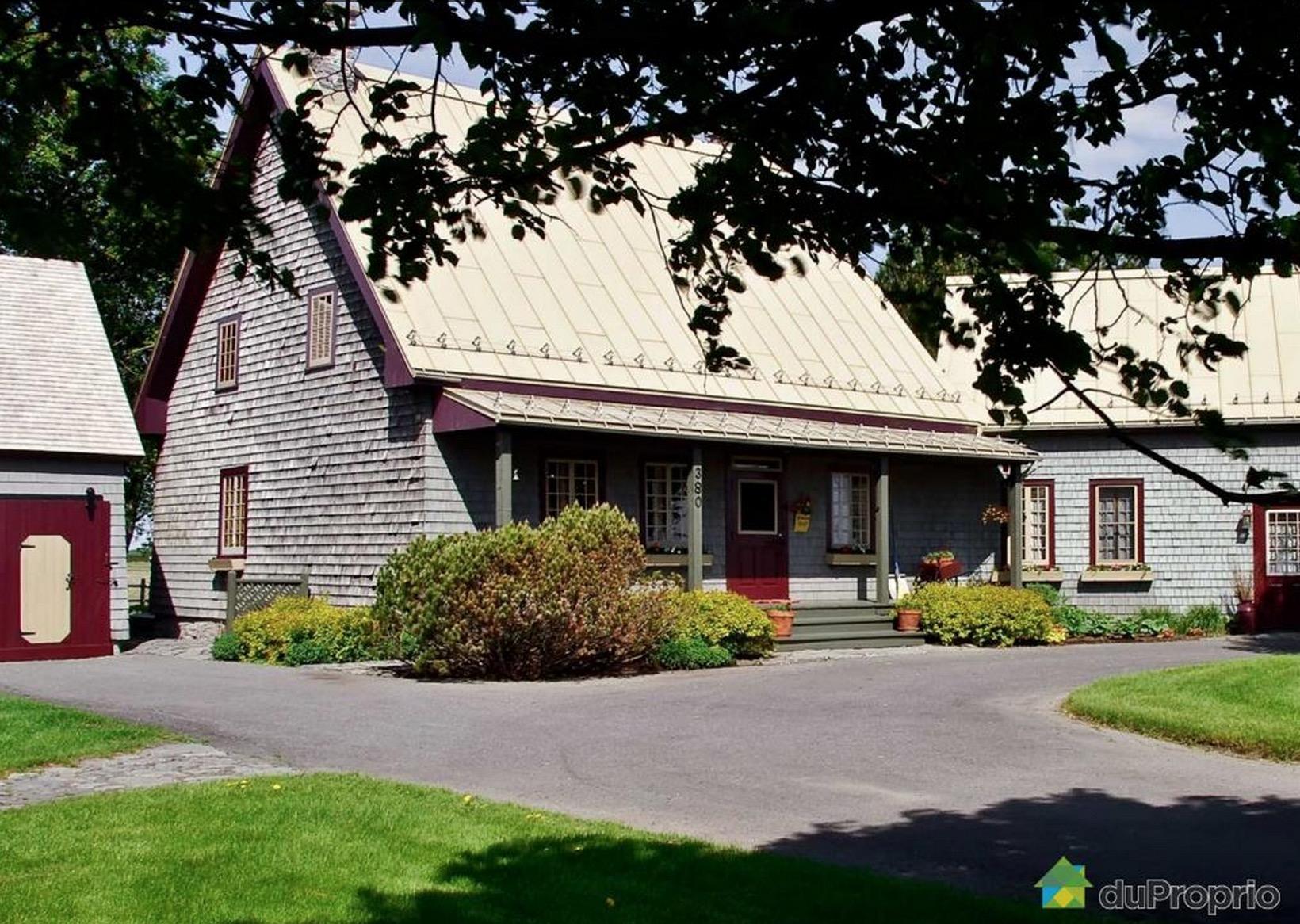 Maison-St-Jean-Sur-Richelieu-Quebec-Architecture-01