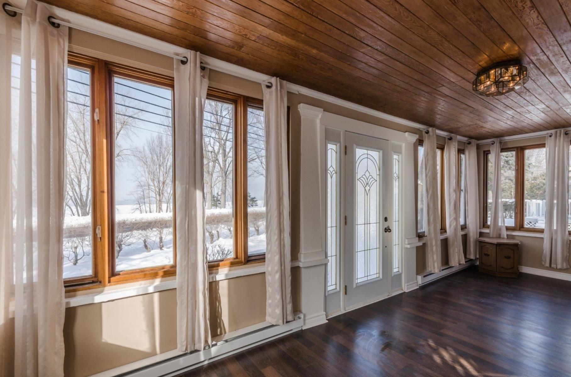 Maison-etages-boucherville-vieux-village-joli-Design-Quebec-02
