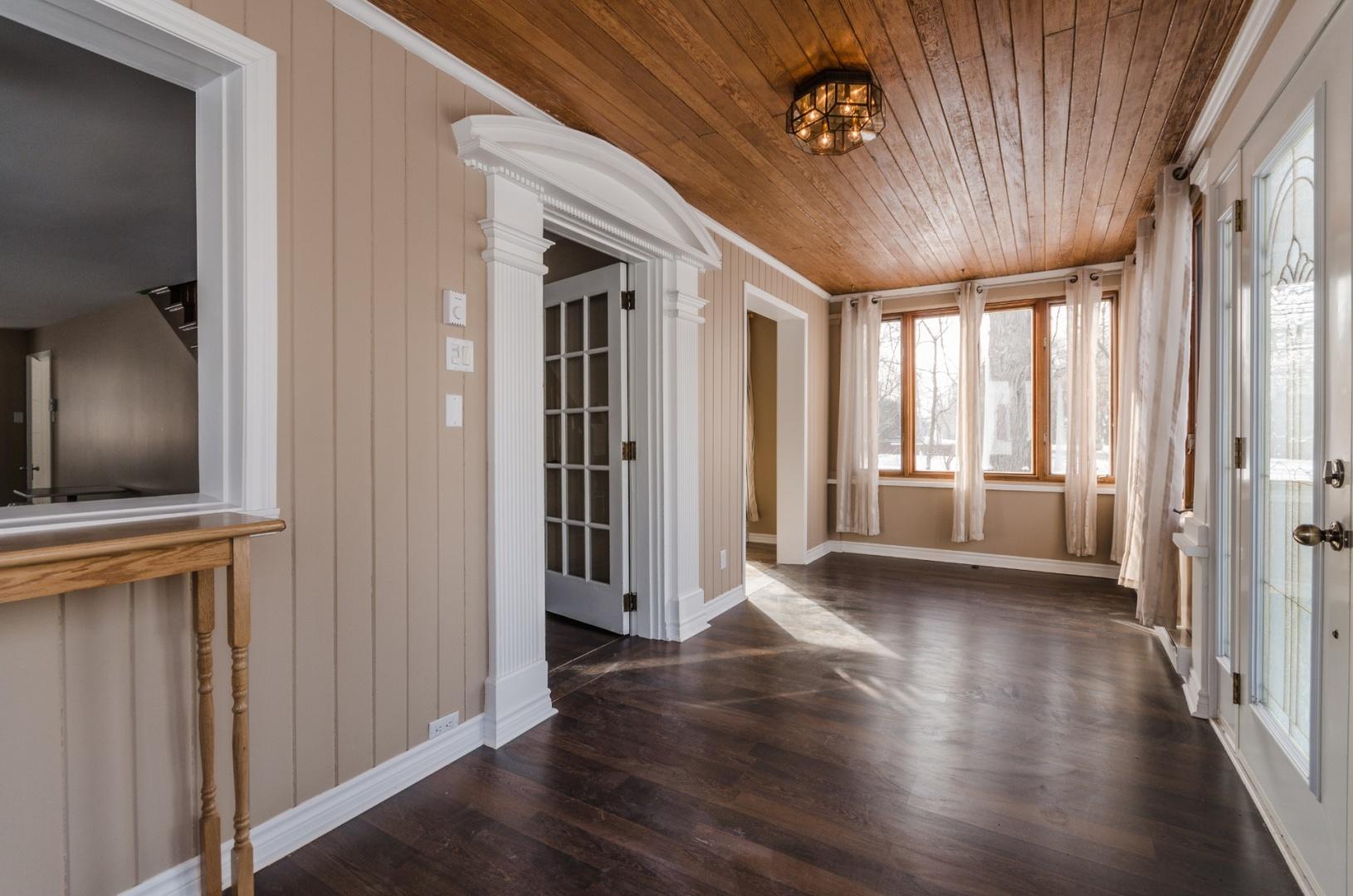 Maison-etages-boucherville-vieux-village-joli-Design-Quebec-03