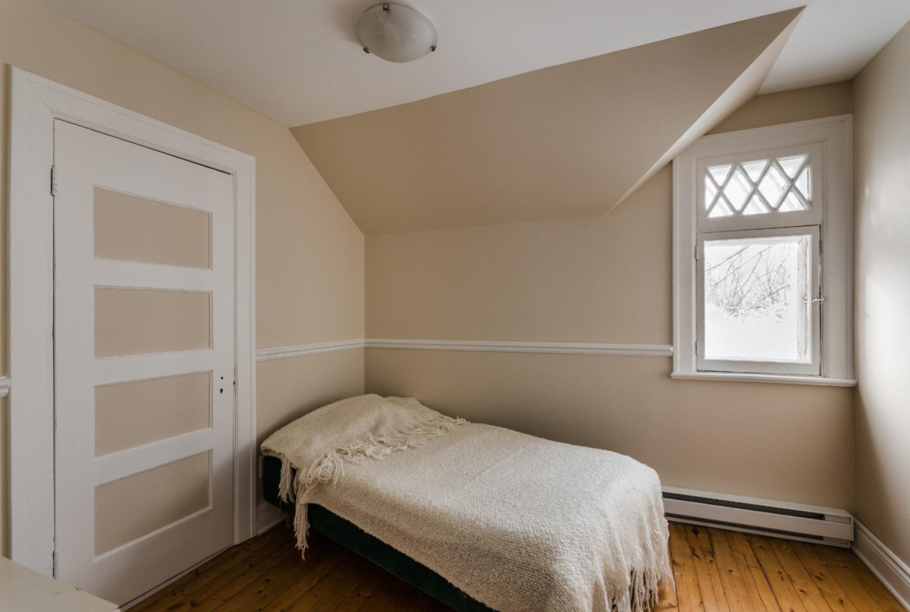 Maison-etages-boucherville-vieux-village-joli-Design-Quebec-10