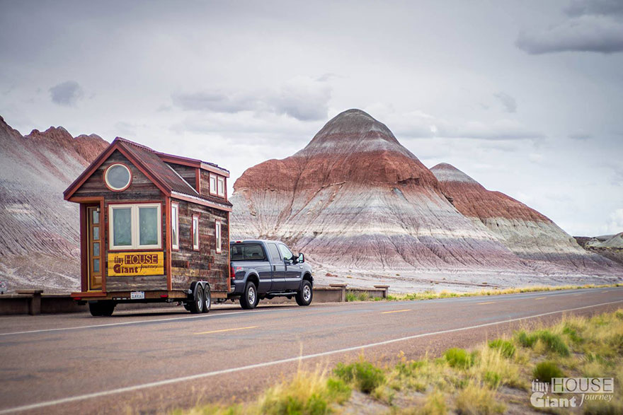 tiny-house-giant-journey-mobile-home-joli-design-01jpg