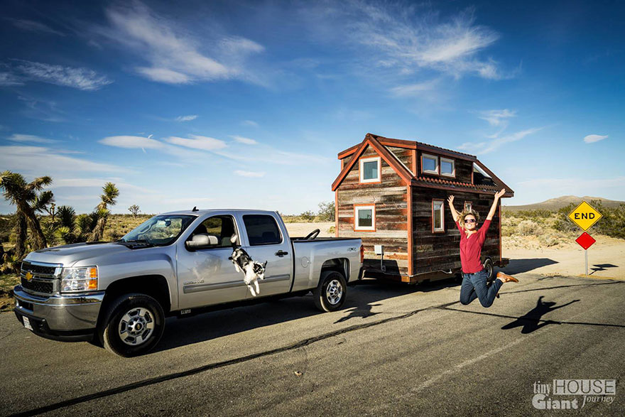 tiny-house-giant-journey-mobile-home-joli-design-13