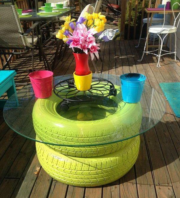 15 id es pour recycler vos pneus usag s et leur donner une for Quoi mettre sur une table basse