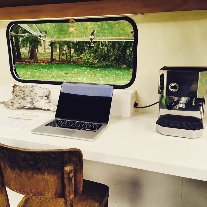 I-converted-vintage-caravan-into-mobile-office-space1__880