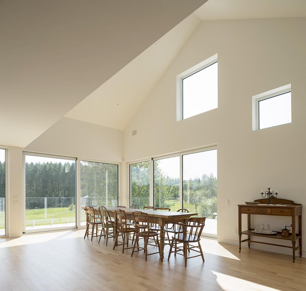 la r sidence les jumelles en mont r gie un astucieuse id e pour agrandir sa maison joli joli. Black Bedroom Furniture Sets. Home Design Ideas