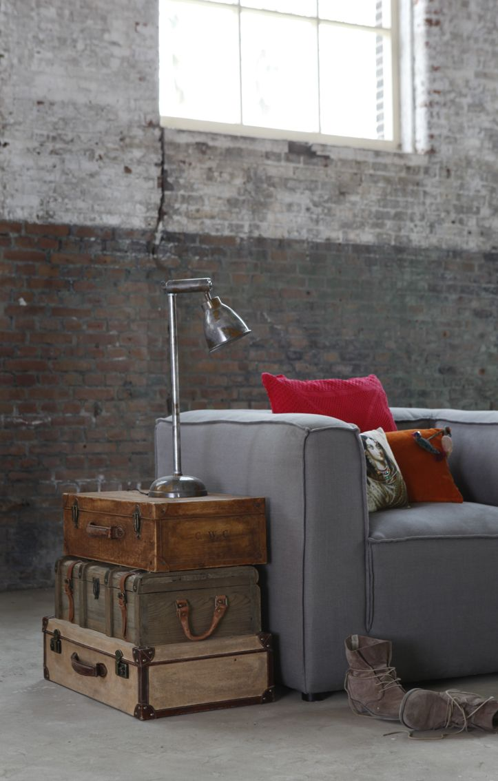 8 fa ons de recycler et d 39 tre cr atif avec ses vieilles valises joli joli design. Black Bedroom Furniture Sets. Home Design Ideas