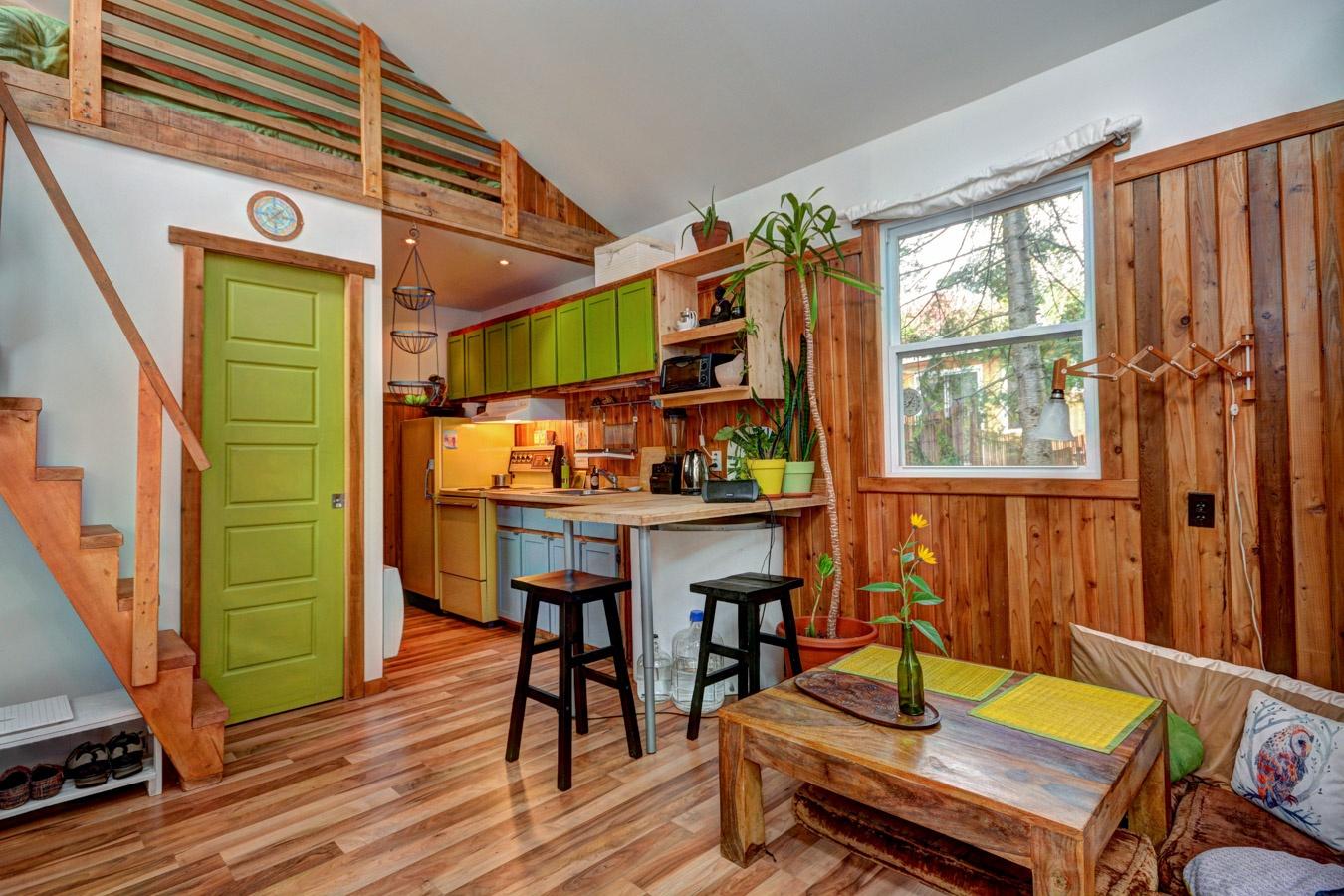 Une chaleureuse mini maison enti rement r nov e val for Boutique decoration maison quebec