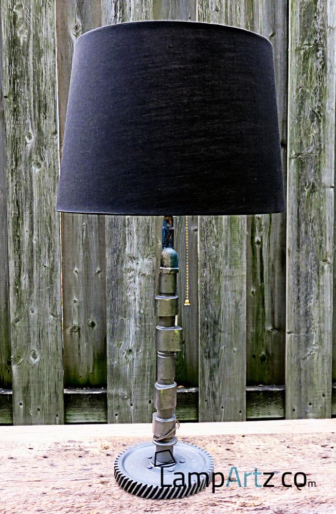 lampartz-reclaimed-recycled-automotive-car-parts-table-desk--lamp-lampe-table-bureau-pieces-automobiles-recyclees-porsche-914-cam