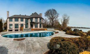 maison-montreal-quebec-enorme-luxe-design