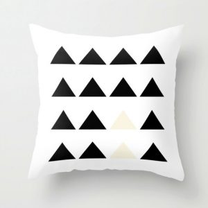 triangle-motif-coussin-design-montreal