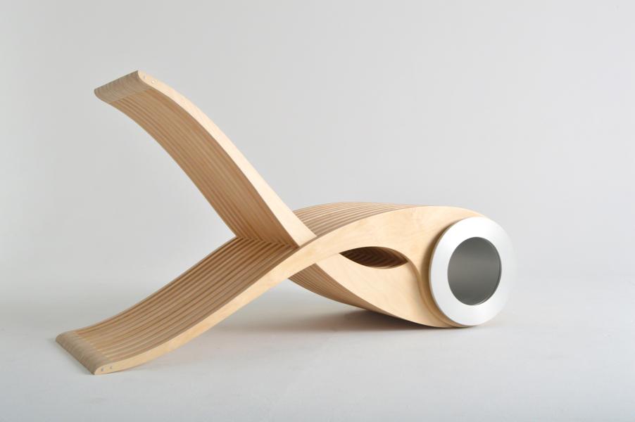 Une chaise au pur g nie qu b cois joli joli design for Chaise en bois design