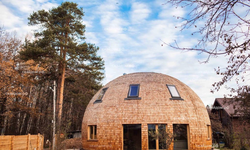 L tonnant igloo russe en bois joli joli design for Interieur igloo