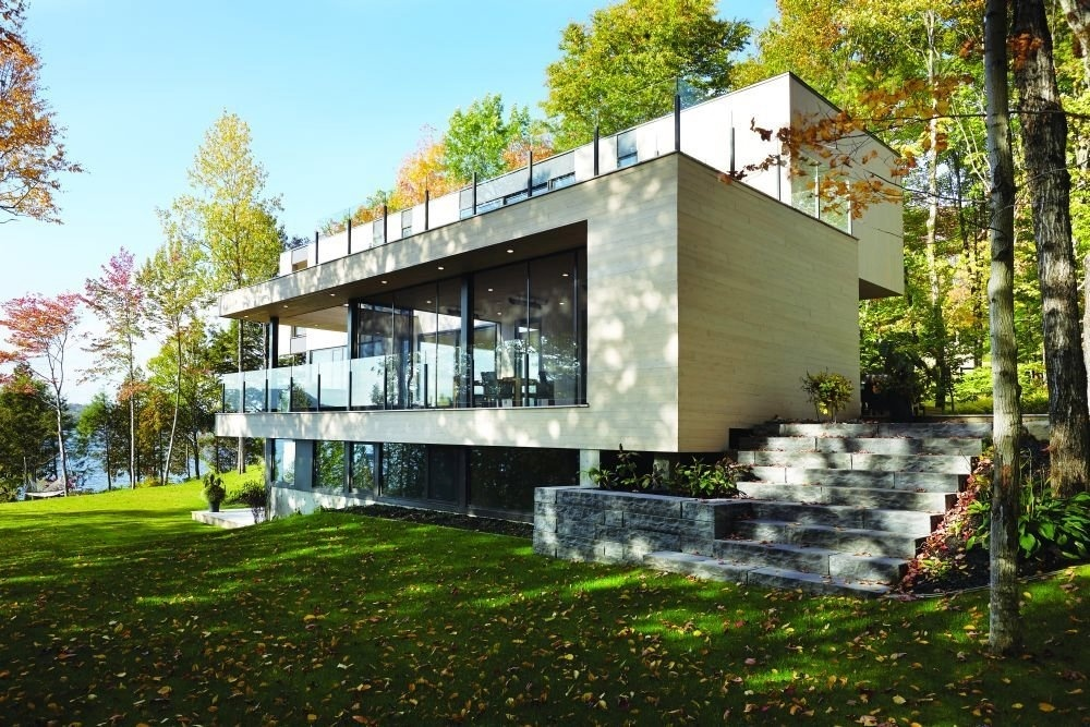 Demeure contemporaine au lac saint joseph joli joli design for Maison de prestige quebec