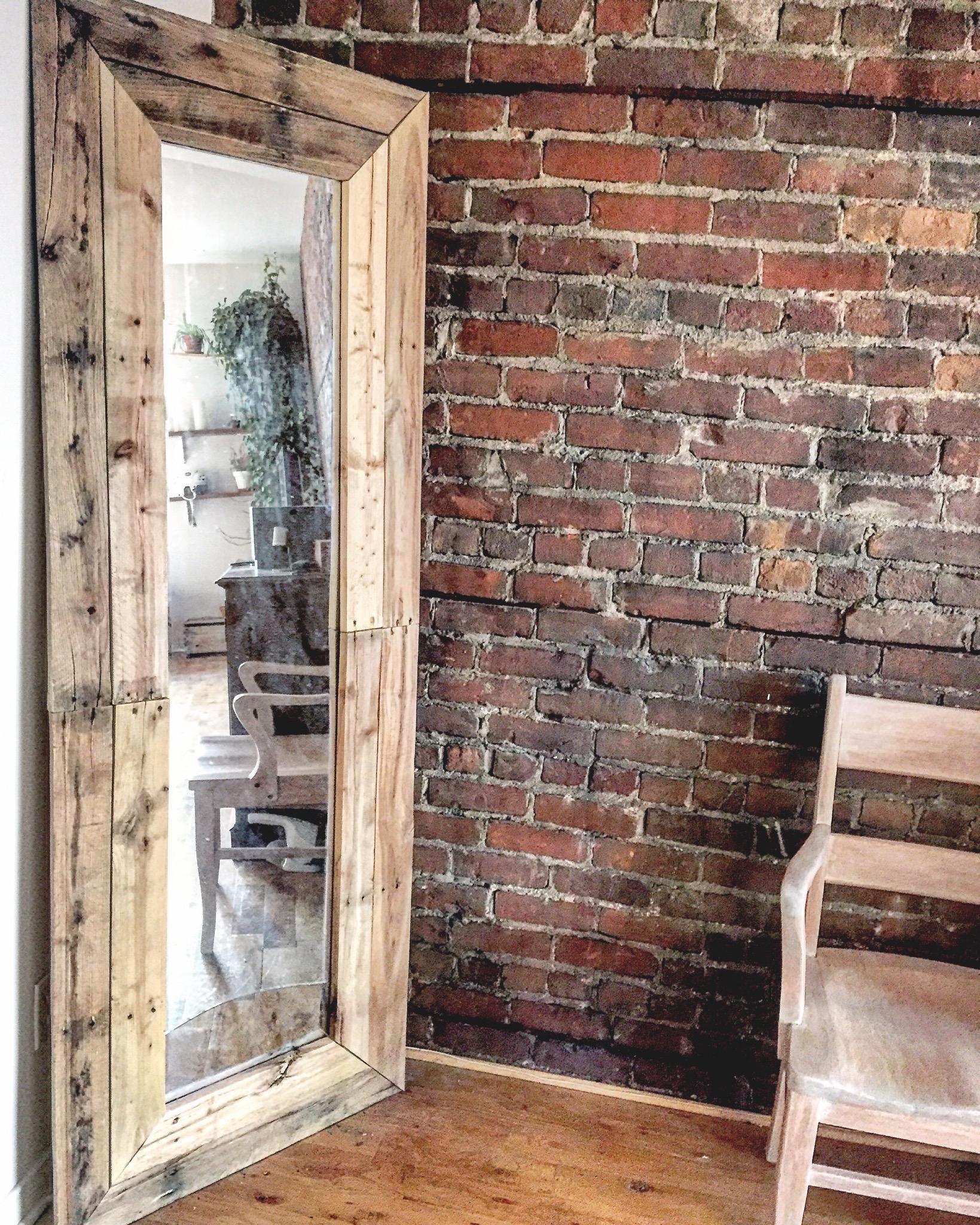 7 tapes pour transformer un vieux miroir avec des palettes joli joli design. Black Bedroom Furniture Sets. Home Design Ideas
