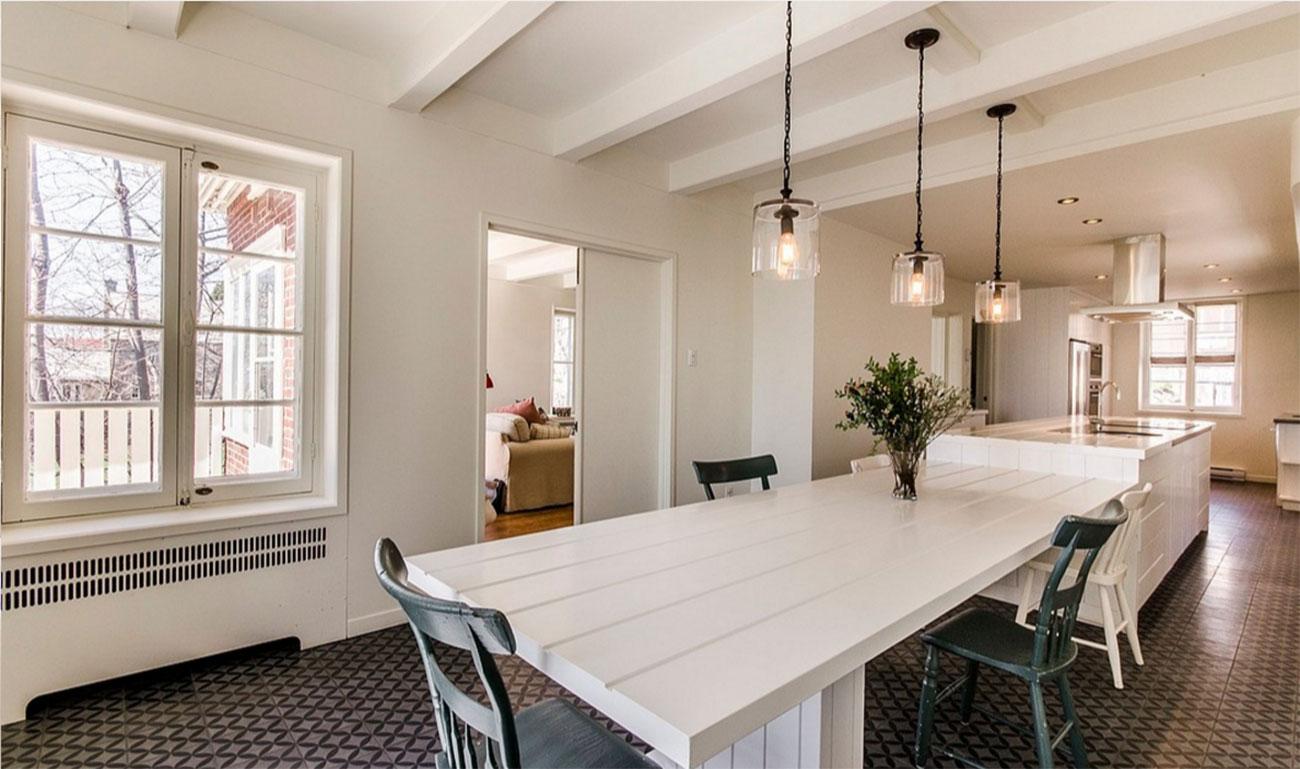 Meubles maison montreal une jolie petite maison en plein for Garde meuble montreal