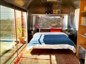 architecture-roulotte-design-airstream-caravane-voyage-003