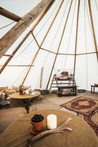 tipi-under-canvas-events-à-louer-design-camping 04