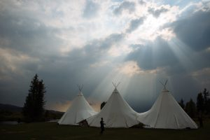 tipi-under-canvas-events-à-louer-design-camping 12