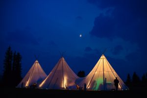 tipi-under-canvas-events-à-louer-design-camping 14