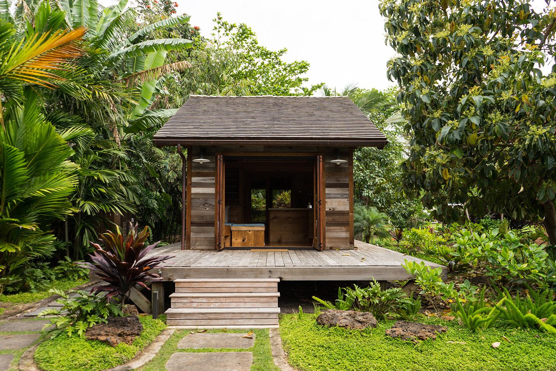 Une mini maison de r ve construite sur une ferme de papaye for Island home designs hawaii
